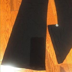 Lululemon sz 6 bell leg workout pants